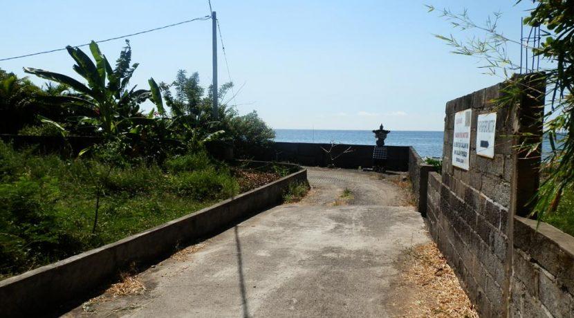 north-bali-sea-front-land-sale-access-road