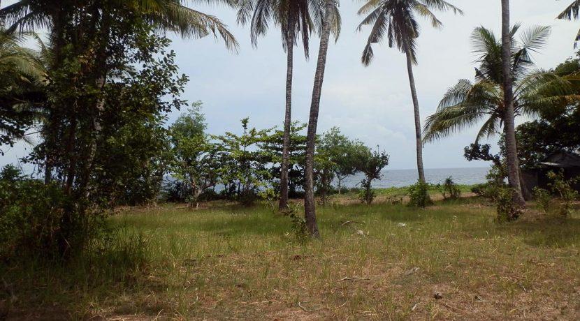 north-bali-oceanfront-land-andjacent-property